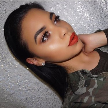 Details-Kylie-Jenner-Lip-Kit-Colour-22