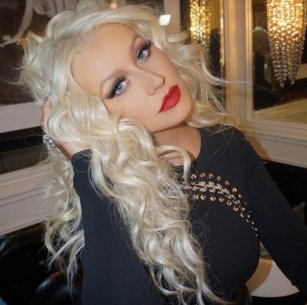 Kylie-Lip-Kit-Photos-Celebrities