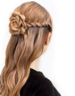 Pretty-Braided-Flower-Half-Updo-Hairstyle