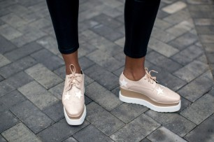 stella-mccartney-nude-white-elyse-platform-brogue-oxford-shoes-800x533