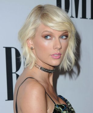 BEVERLY HILLS, CA - MAY 10: Singer Taylor Swift attends the 64th Annual BMI Pop Awards at the Beverly Wilshire Four Seasons Hotel on May 10, 2016 in Beverly Hills, California. (Photo by Jon Kopaloff/FilmMagic)