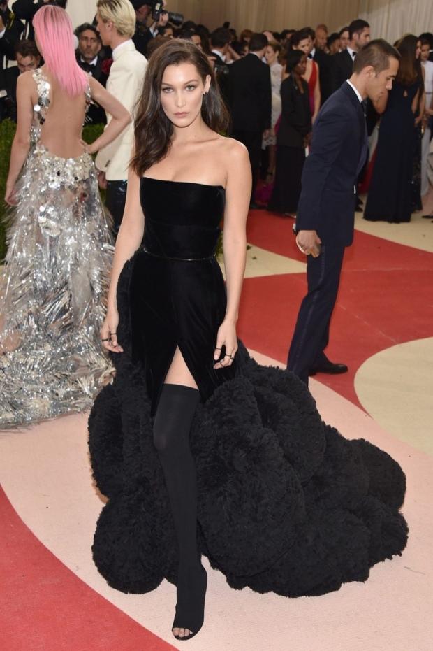 Bella-Hadid-Givenchy-Dress-Met-Gala-2016-Black