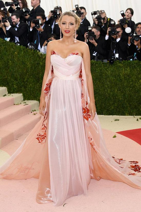 Met-Gala-2016-Red-Carpet-Rundown-Fashion-Part-One-Tom-Lorenzo-Site-4