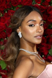 beige-hair-jourdan-dunn