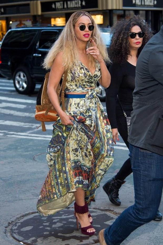 beyonce-printed-maxi-skirt-backpack