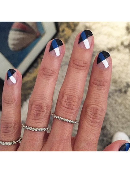 makeup-looks-nail-ideas-2016-04-nail-art-criss-cross-negative-space
