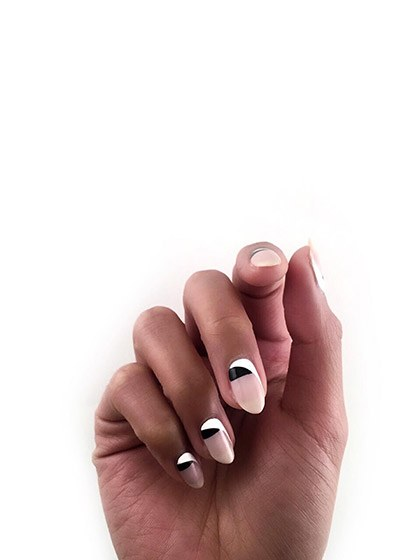 makeup-looks-nail-ideas-2016-04-nail-art-graphic-negative-space