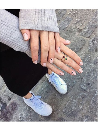 makeup-looks-nail-ideas-2016-04-nail-art-simple-dots