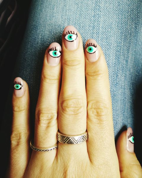 gallery-1443728474-eyeball-nail-art
