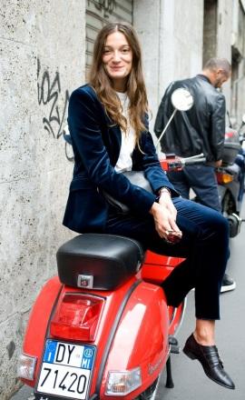 street-style-velvet-blue-suit-blazer-pants-monk-strap-flats-white-blouse-sylvia-bergomi-via-vogue-uk-1