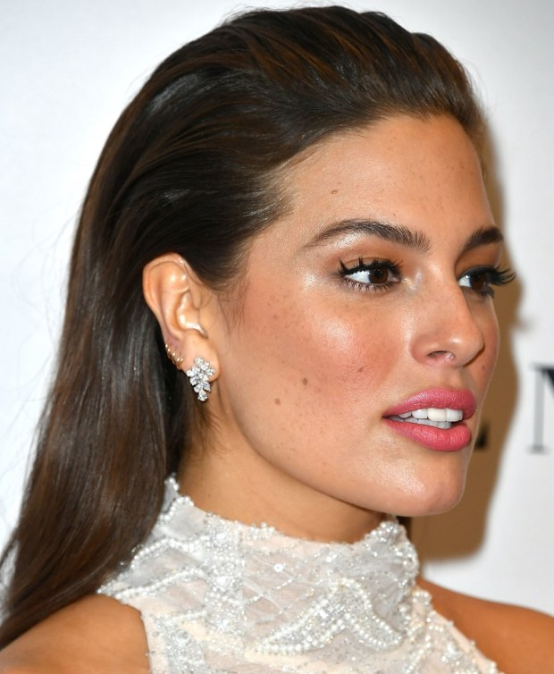 ashley-graham-winter-hair