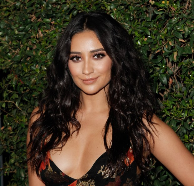 shay-mitchell-winter-hair