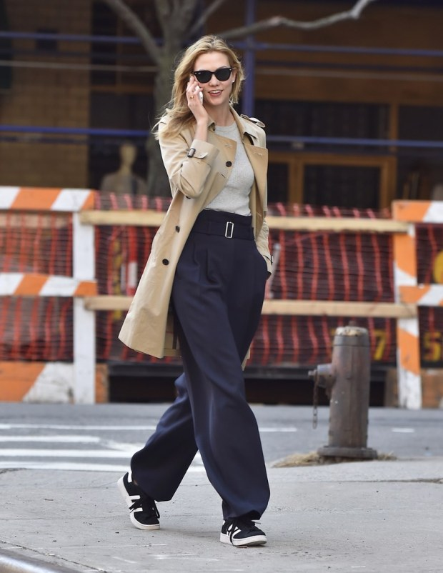 karlie-kloss-trench-coat
